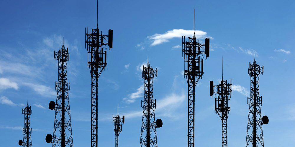 Network Hubs and Mobile Towers Networks